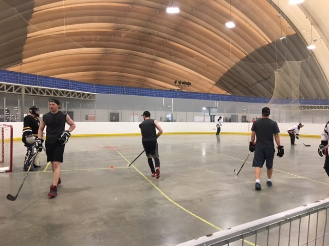 ball hockey9